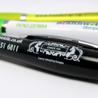 Busy printing Curvy promotional pens in News